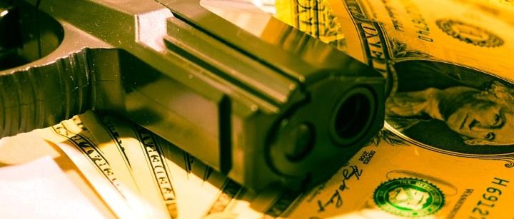 gun_with_money