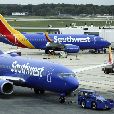 Partisan Claims About Flight Cancellations Lack Evidence