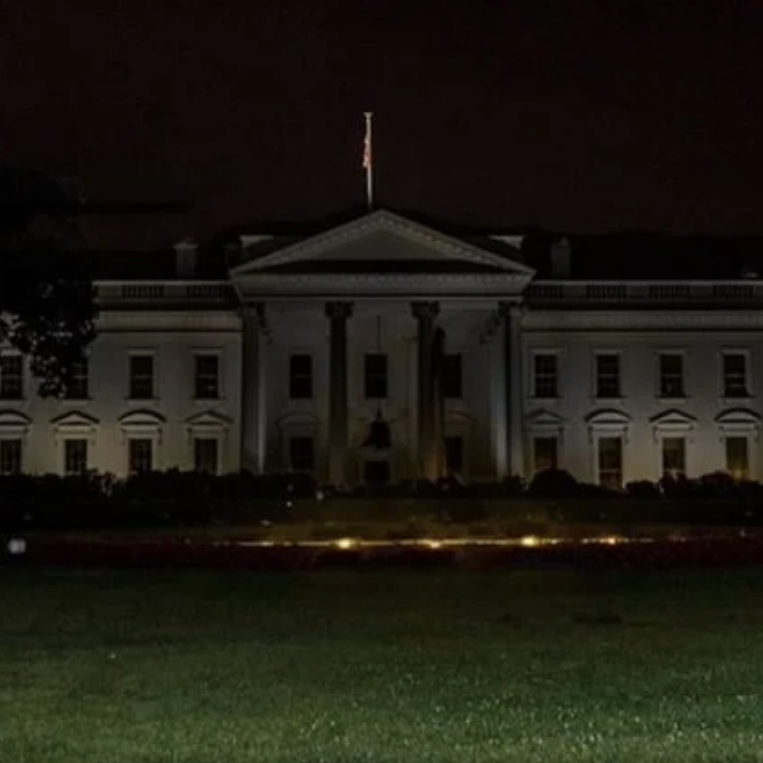 White House 2020 Halloween Viral Posts Share Old, Edited White House Photo in Dark